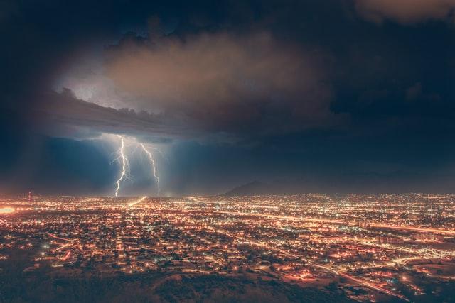 Blitze-Wolke